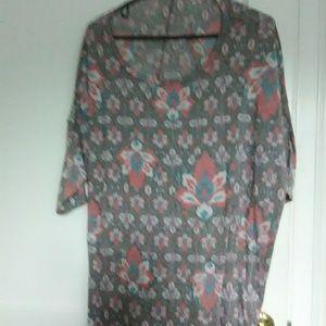 3 for $20    Lularoe shirt